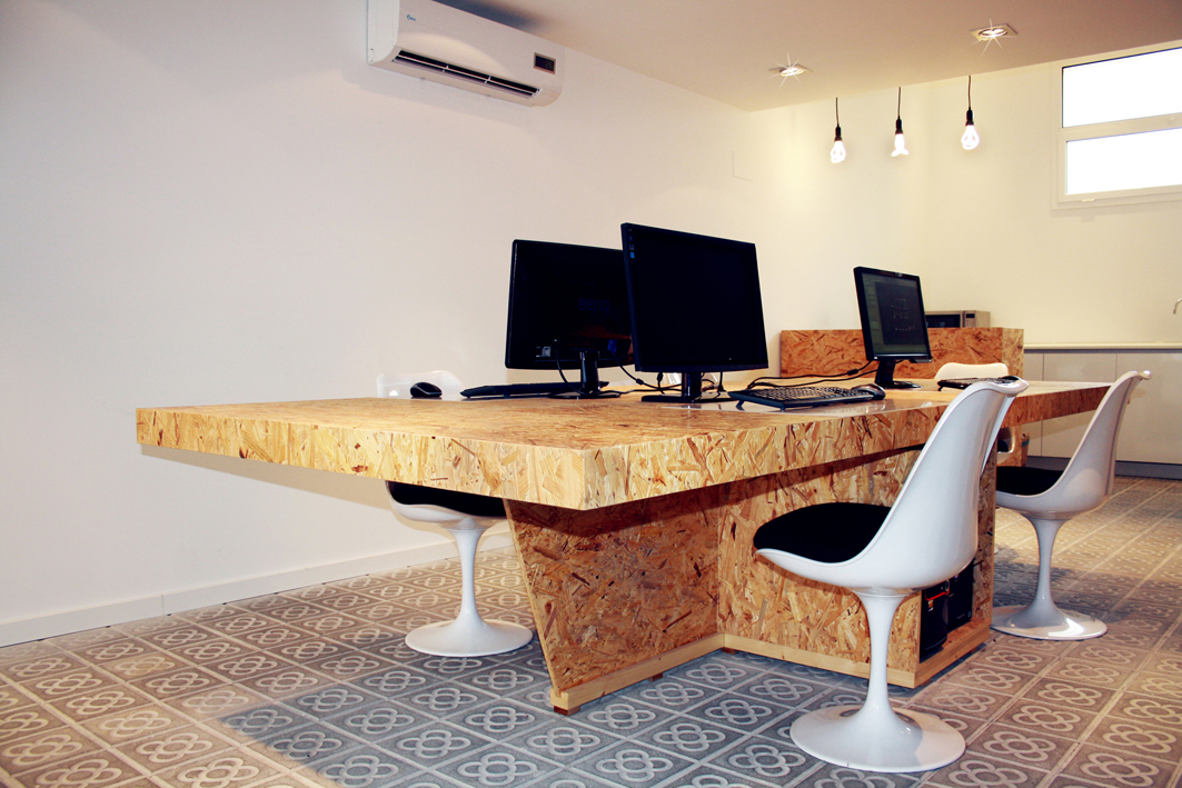 Gassprings together with Desks additionally Glass partition systems in addition Osb moreover Category path 109. on high office chairs